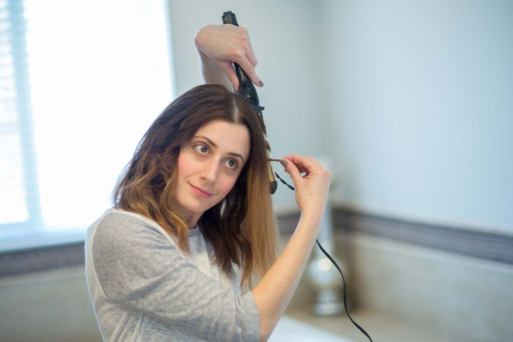 how to get beach waves {without the beach} | curling iron waves | curling wand waves | allweareblog.com