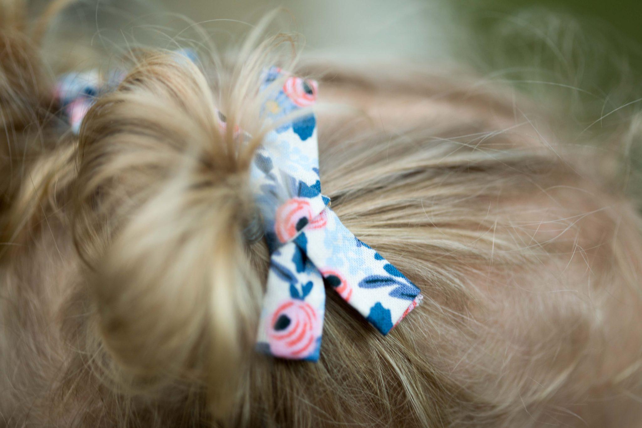 la petite barette | trendy hair bows for babes | on allweareblog.com