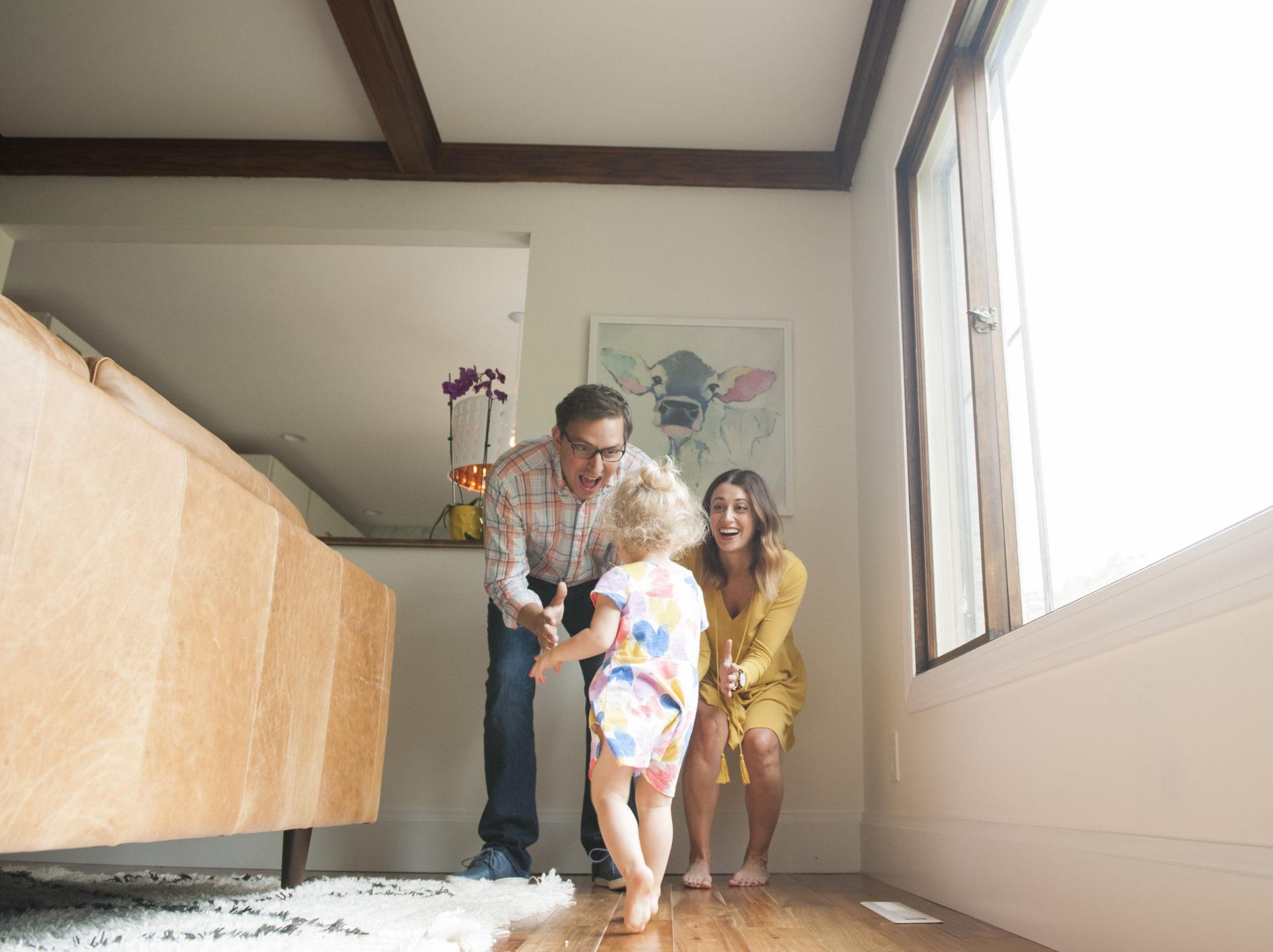 lifestyle family photography session on allweareblog.com