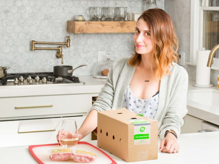 hellofresh review on allweareblog.com | how to simplify dinner time | quick, healthy meals | how hellofresh works | dinner time tips for busy working moms