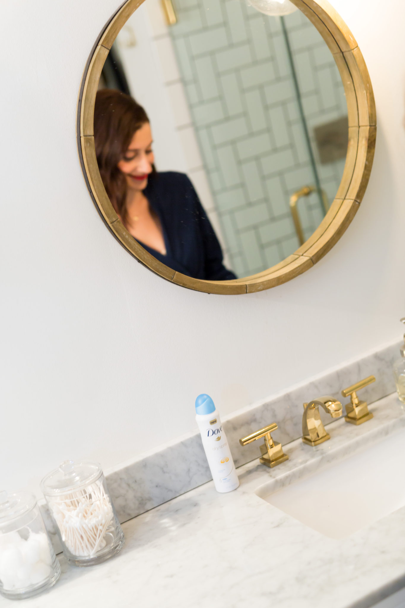 how to get ready for a holiday party in minutes on allweareblog.com   review of dove dry spray