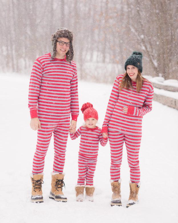winter pregnancy announcement | hanna andersson matching family pajamas | second pregnancy announcement on allweareblog.com