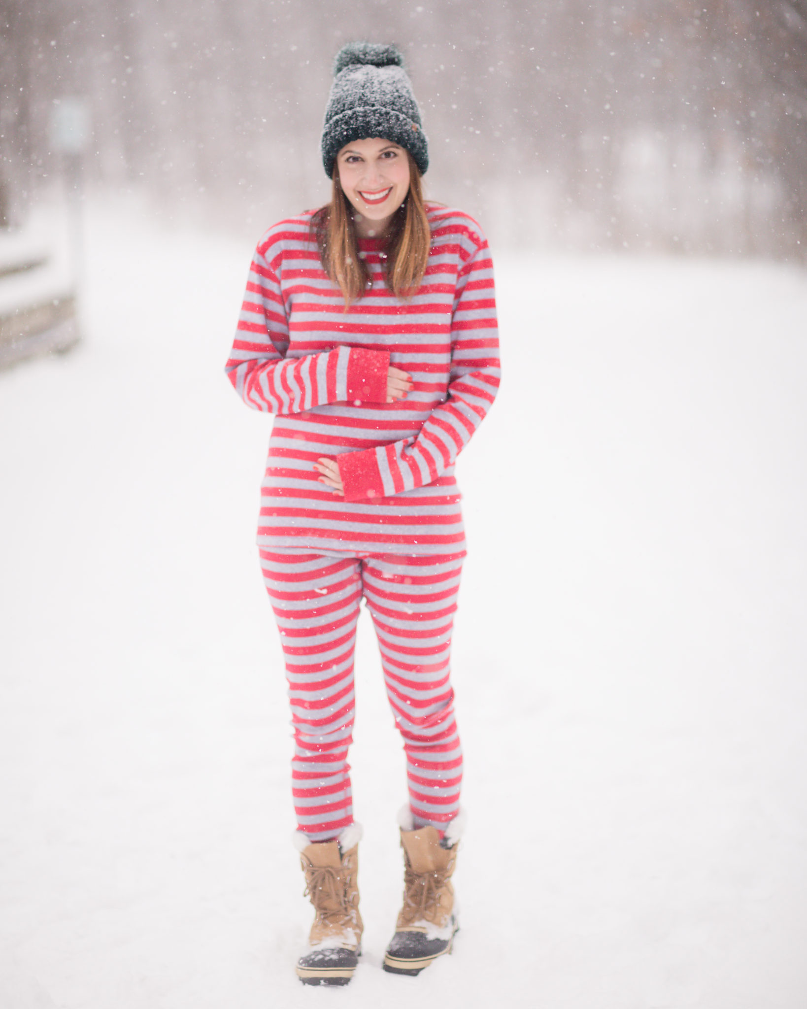 winter pregnancy announcement | hanna andersson matching family pajamas | second pregnancy announcement on allweareblog.com